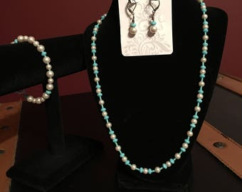 Glass bead and pearl necklace, bracelet, and earring set