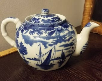 Vintage Blue Willlow Japanese Teapot