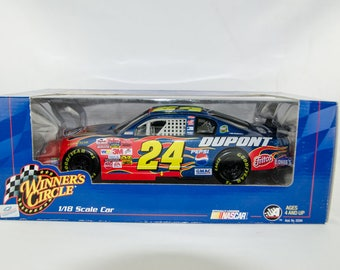 Winners Circle Jeff Gordon #24 Dupont Chevy Monte Carlo 1/18 Scale Diecast Car