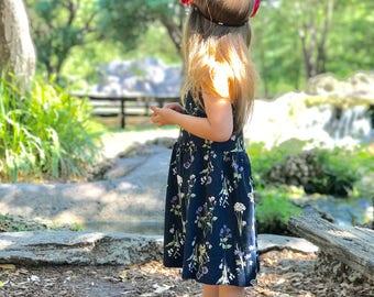 Floral dark blue dress, floral dark blu litle girl, floral dress, dark dresses, kids dress blu, dark ble dress, baby girl dress, dresses