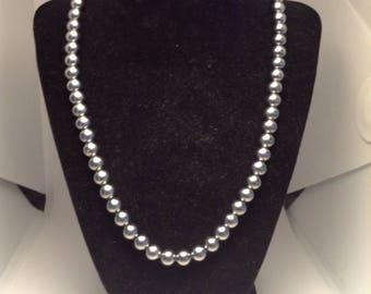 Vintage Dark Grey Faux Pearl Necklace