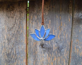 Mini Stained Glass Blue Lotus Flower Suncatcher