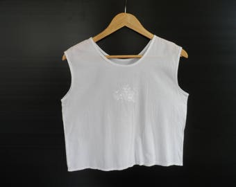 Vintage 1980's Soft Cotton White Summer Cropped Top with Floral Embroidery Detail