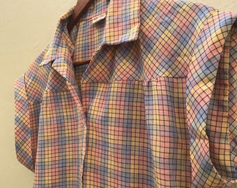 Vintage 1980s Button Up Cuff Sleeve Shirt / Small