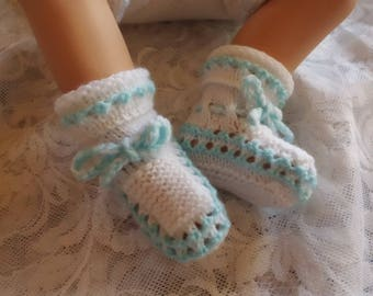 0/3 months blue and white wool baby booties