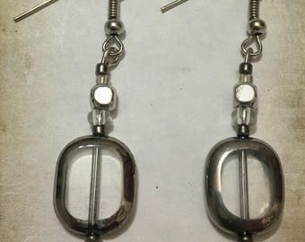 Silver earrings with clear bead
