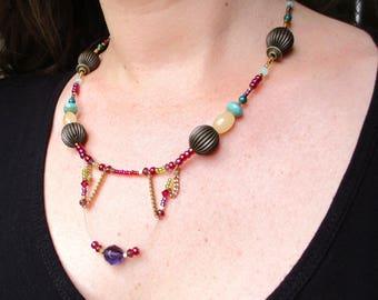SMALL end price series-designer ethnic Navajo-stone semi-precious agate, malachite, Crystal and Pearl necklace.