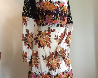 Vintage 70's dress flower pattern