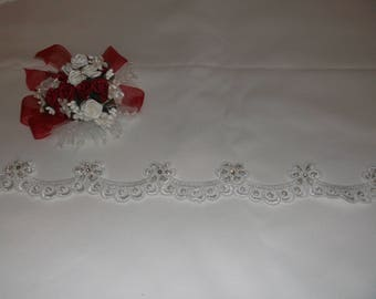 White Silver/Rhinestone Beaded Flower Scalloped Lace