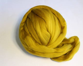 Gold Dyed Corriedale Wool Roving - Super Soft, 23 Microns - 1lb