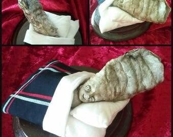 Malinconic death of the Oyster Boy tim burton inspired handmade handpainted ; Scultura morte malinconica del bambino ostrica dipinta a mano