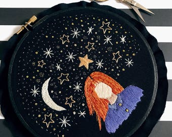 Star Girl - wall hanging, embroidery hoop, modern embroidery, fiber art, home decor