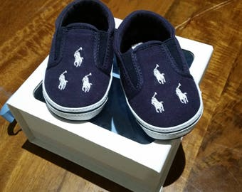 new unworn Ralph Lauren baby shoes - size 4 US, 3.5 UK, EUR 19 (to fit 9 to 12 months but could fit earlier as they look on the small side)