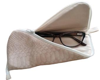 Zig-zag Eyeglass case