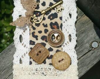 Vintage Shabby Chic Fabric Brooch