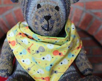 Reversible yellow dog bandana with guitar print and lime green cotton fabric