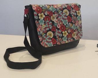 With removable flap shoulder Messenger bag