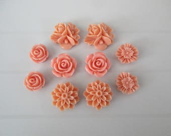 10 resin cabochons flowers to paste old rose color