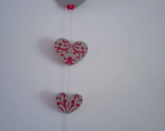 4 paint or decorate wooden hearts