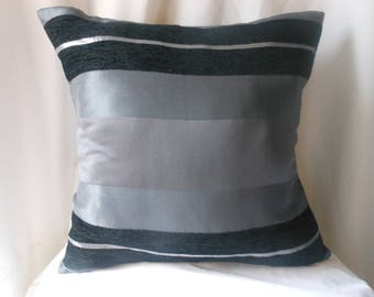 Grey cushion 45 X 45 and pane Velvet