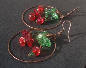 Copper with glass beads and Crystal - Red and green hoop earrings