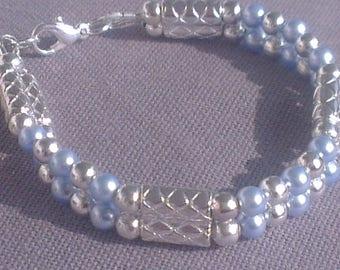 Bracelet precious two rows of beads