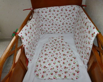 Bumper and matching sleeping bag pattern strawberries and cherries ref: 7088919