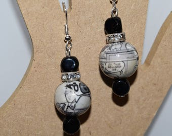 """""""BD"""" earrings with resin beads and rhinestones"""
