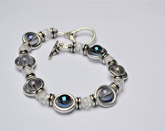 Blue Rock Crystal beads and frosted on silver plated Beads Bracelet / love and positive energy / Valentine's day
