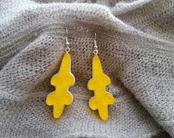 Earrings ears candy crocodile plastic yellow and white