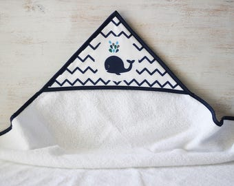 Hooded towel pattern whale and Chevron