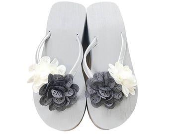 Chic-Mild Hand-made Grey&White Flowers Wedge Heel Flip Flops