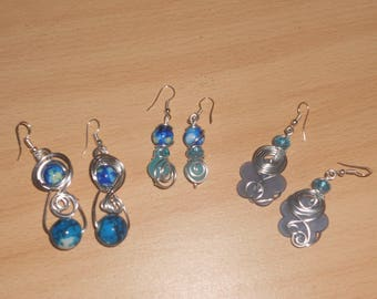 beautiful earrings with 1 mm blue beads with smooth Silver Aluminum wire.