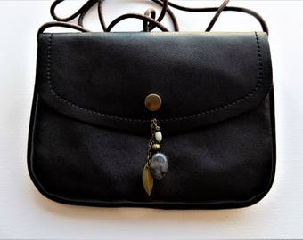Bag black faux leather - 13 X 18 X 1 cm - with gemstones charm.