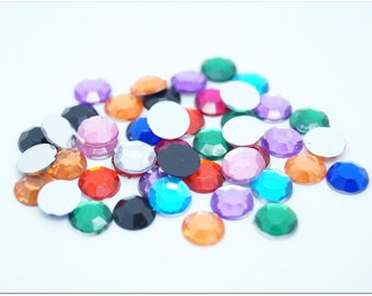 50 multicolored beveled round cabochons