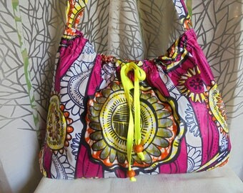 Great bag in WAX certified for upholstery: fuchsia/yellow/orange/black/white. tote bag or tote for Beach African style.