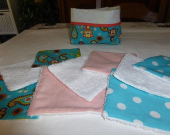 "Pouch and its 9 cotton wipes ""Slipper the little monkey"""