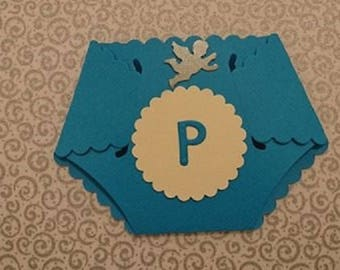 Cut invitations, baby shower in the shape of layer