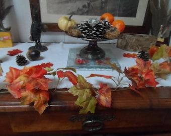 fall décor: decoration for halloween maple leaf Garland