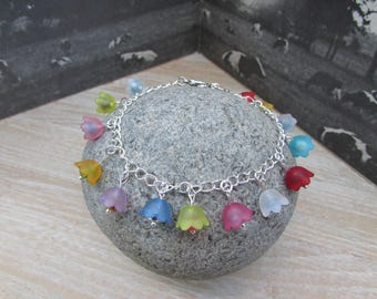 Chain bracelet and its flowers and Crystal Charms