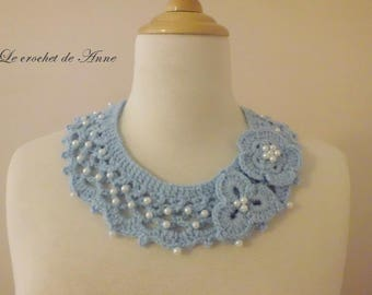 Blue, decorated with flowers and pearls necklace!