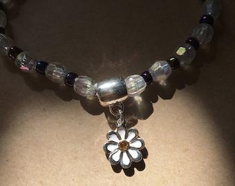 Daisy Charm Crystal Stretch Bracelet