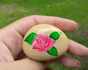 Painted rock (Rose)