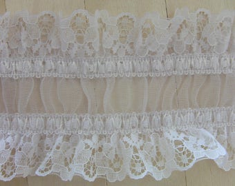 White pleated lace soft elastic garter of 8.5 cm