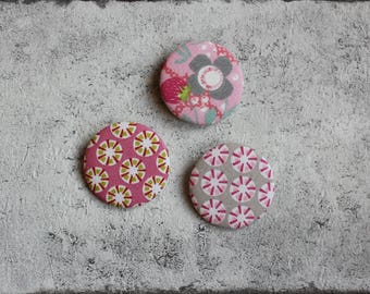 Set of 3 cotton fabric badges