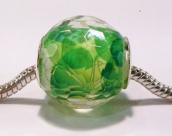 European charm's Green patterned and (86) faceted resin bead