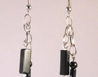 Boucles d'oreilles chaîne perles hématite