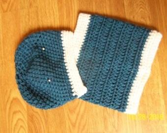 Blue ecru color Snood and hat set