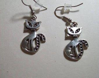 Cat shape earrings