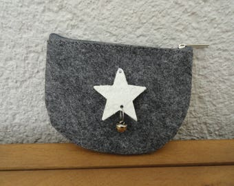 Coin purse in grey felt adorned with a star